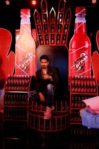 ali-safina-on-iron-throne