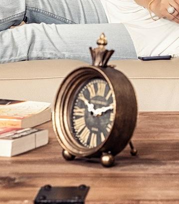 DVH bronze clock